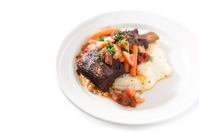 mystik catering braised short ribs with grits - kansas city food photographer - www.anthem-photo.com - 001