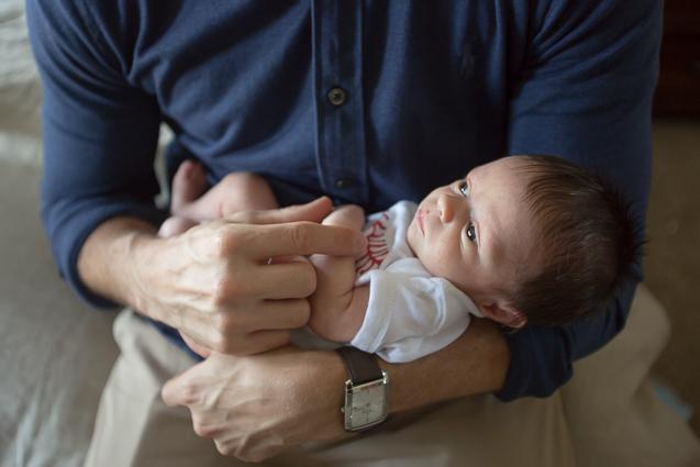 Evan Mills- - Kansas City Lifestyle Photographer | In-Home Newborn Session | www.anthem-photo.com | Anthem Photography Jaime Russell - www.anthem-photo.com - 001