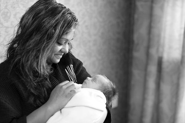Evan newborn in hospital- - - www.anthem-photo.com - 008